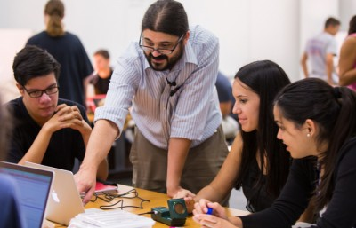 FIU physics professor in active learning classroom